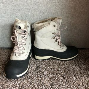 NWOT North Face snow boots